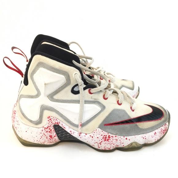 1b47a4ab3ce Nike Lebron sneaker size 5 youth basketball shoe. M 5b887eeed365be89e57ba181